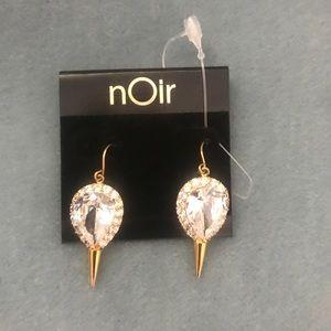 Noir showroom classic jewelry
